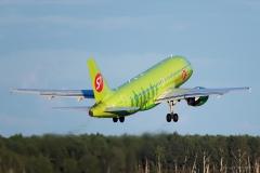 Airbus_A319-114_VP-BHL_S7_0110_D805038a