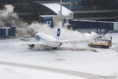 Boeing_737-524_VP-BFO_UTair_055_D707003
