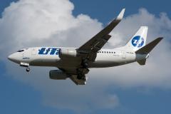 Boeing_737-524_VQ-BJM_UTair_DSC_2729