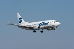 Boeing_737-524_VQ-BJS_UTair_DSC_9544