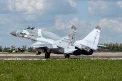 Mikoyan-Gurevich_MiG-29SMT_RF-92937_25red_D800125