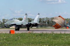 Mikoyan-Gurevich_MiG-29UB_RF-92265_34red_D809912
